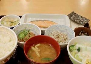 すき家川越諏訪町店@川越市 何気に朝飯作るの面倒なので、5年振りのすき家朝食