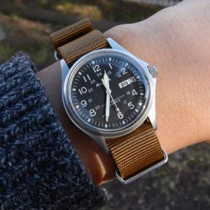 今年、最後の腕時計は・・・