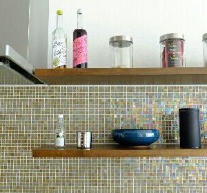 キッチンのオープン棚を模様替え