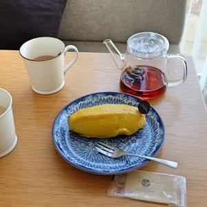 美味しい朝の純ココアと北欧の青い食器