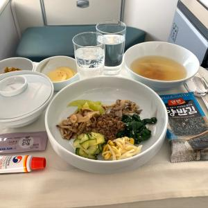 ハワイ線「ビジネスクラス」また食べたいビビンバとラーメン