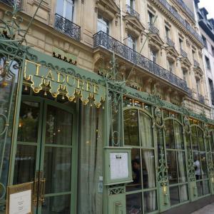 パリで最初に行ったお店