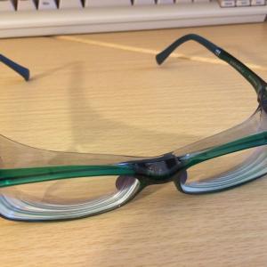 JINS の花粉cut 眼鏡を購入した。店舗で度入りレンズ30分で完成