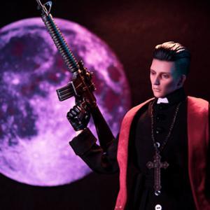 紫の月と神父