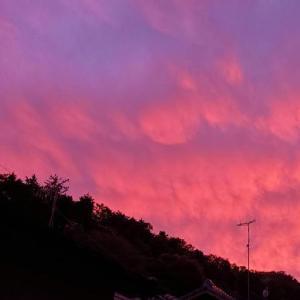 異様な空です~。:( ;´꒳`;):