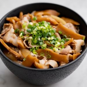 メンマ豚丼のレシピ