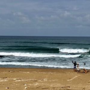 【日本海サーフィン】徒歩20分!良い波!三十分!最高だよ!