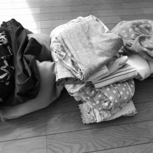 暇すぎて衝動的に衣替え、ついでに断捨離