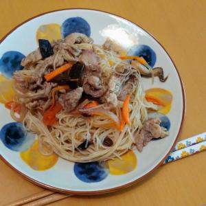 残り野菜と焼きビーフンで!簡単時短お昼ごはん