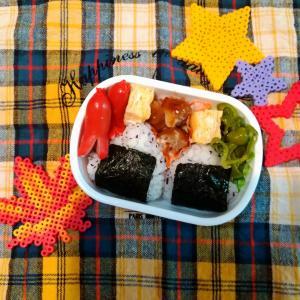 幼稚園のお弁当✿ゆかりのおにぎり