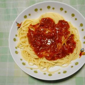 夕飯はスパゲッティミートソースでした