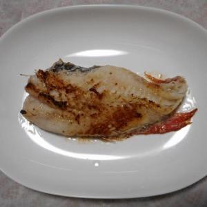 夕飯は赤魚照り焼きでした