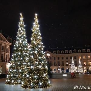 優美さではパリ随一!ヴァンドーム広場のクリスマスデコレーション
