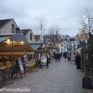 ストでも平気!? パリの屋外型ショッピングモール Bercy Village