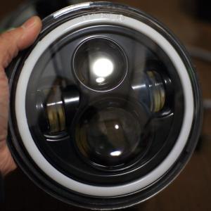 LEDプロジェクタヘッドライト中華製DOT SAE E イカリング付き