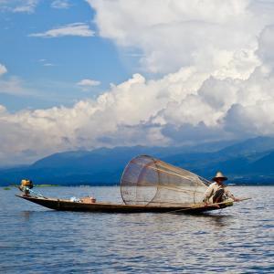 メキシコの漁師とMBA保有の旅行者