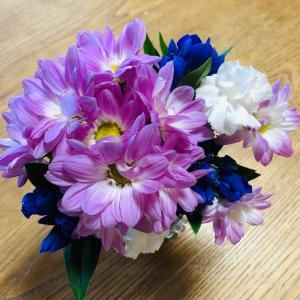 お仏壇のお花とひとり飯