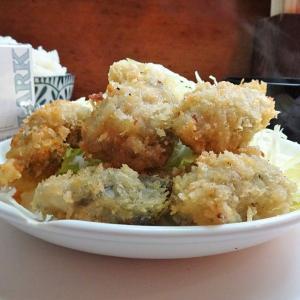 ■有楽町の「西田」で、デカ盛りカキフライ定食!