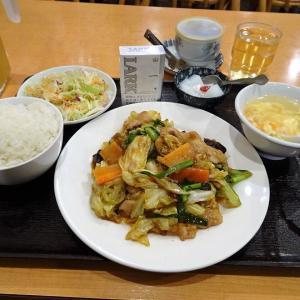 ■神田の「呉園」で、デカ盛り黒豚野菜炒め定食!
