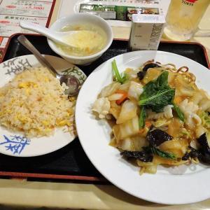 ■神田の「南国亭」で、デカ盛り五目焼きそば!