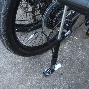 ミニベロ、折り畳み自転車におすすめなハンディポンプ<パナレーサー 可変式携帯ポンプ>