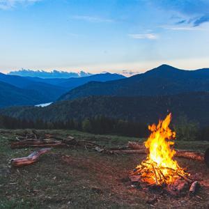 ブッシュクラフトとは<原始的な生活を楽しむキャンプ>