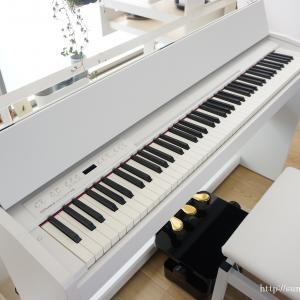 + リビングにピアノがやってきた。