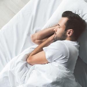 短時間睡眠でも問題ない「ショートスリーパー」の遺伝子が発見される!