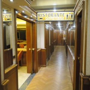 季節はずれのチックエテッレ 4日目(1)ジェノヴァからミラノへの列車は15分遅れ。