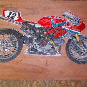 やっとの事で・・・Ducatiのモザイク