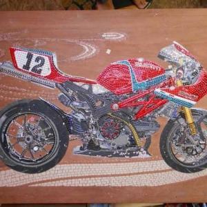 Ducatiのモザイクのバック