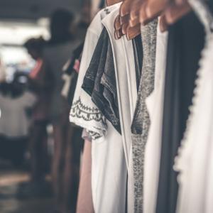 手持ちの服が似合わなくなったと感じたら⁉3つのポイントを見直そう!