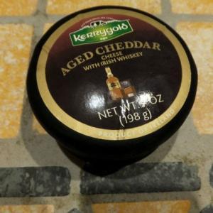 ウイスキー熟成のチェダーチーズ