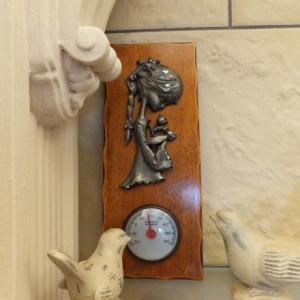 少女と温度計