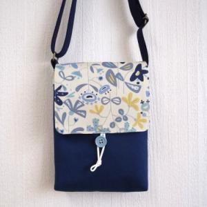 北欧風花柄フラップのショルダーバッグ/青花