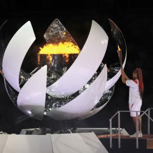 東京オリンピック開会式 /五輪聖火が「夢の大橋」に/呪われた開会式
