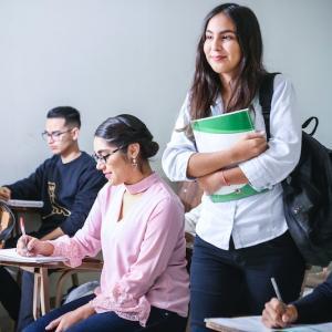 格安で留学できるスマ留を利用するメリットや注意点