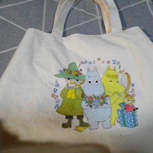 ムーミンのバッグと布巾が届きました♡