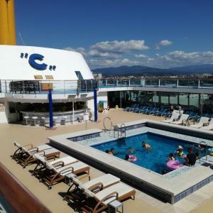 コスタネオロマンチカで行くクルーズ旅行☆2日目 金沢 船内でプールを満喫