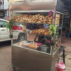 カンボジアのローカルフード「ヌンパン」