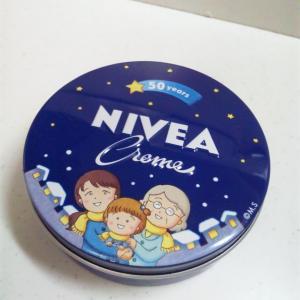 ニベア青缶限定品…さくらももこさんデザイン