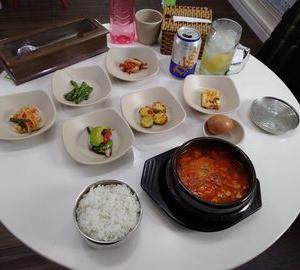 7区で、韓国料理。