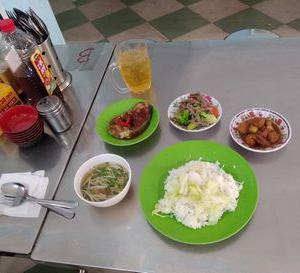 ビンヤン食堂で、豪華ランチ。