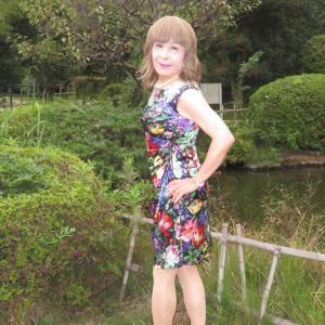 総花柄のシルクタイトワンピース(2)