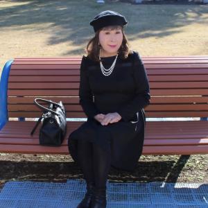 黒ショートドレス黒ベレー帽