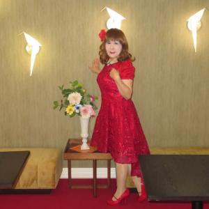 赤色のショートドレス(2)
