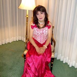 フクシア色のドレス