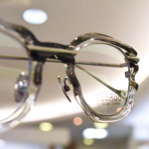 ダンディーなグレイヘアーに合うメガネ。