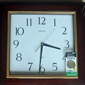 掛時計のリチュウム電池切れで買いに