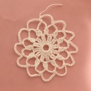 編み物教室 レース糸で透け感のあるモチーフ作り